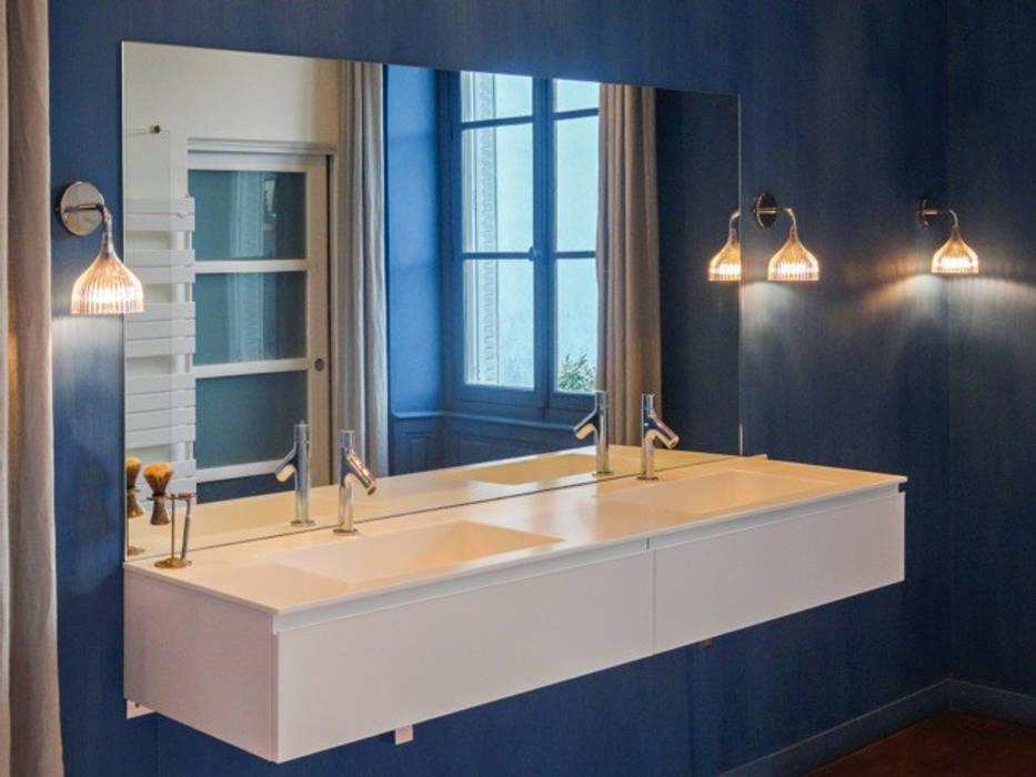 meuble vasque: Salle de bains de style  par Quitterie Chailley