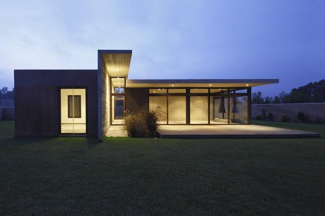 Casa oZsO: Casas de estilo  por Martin Dulanto