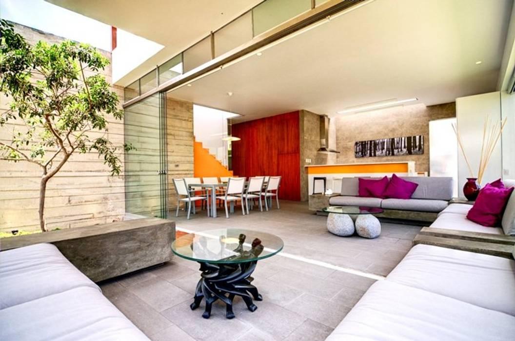 Casa Seta Salas de estilo moderno de Martin Dulanto Moderno