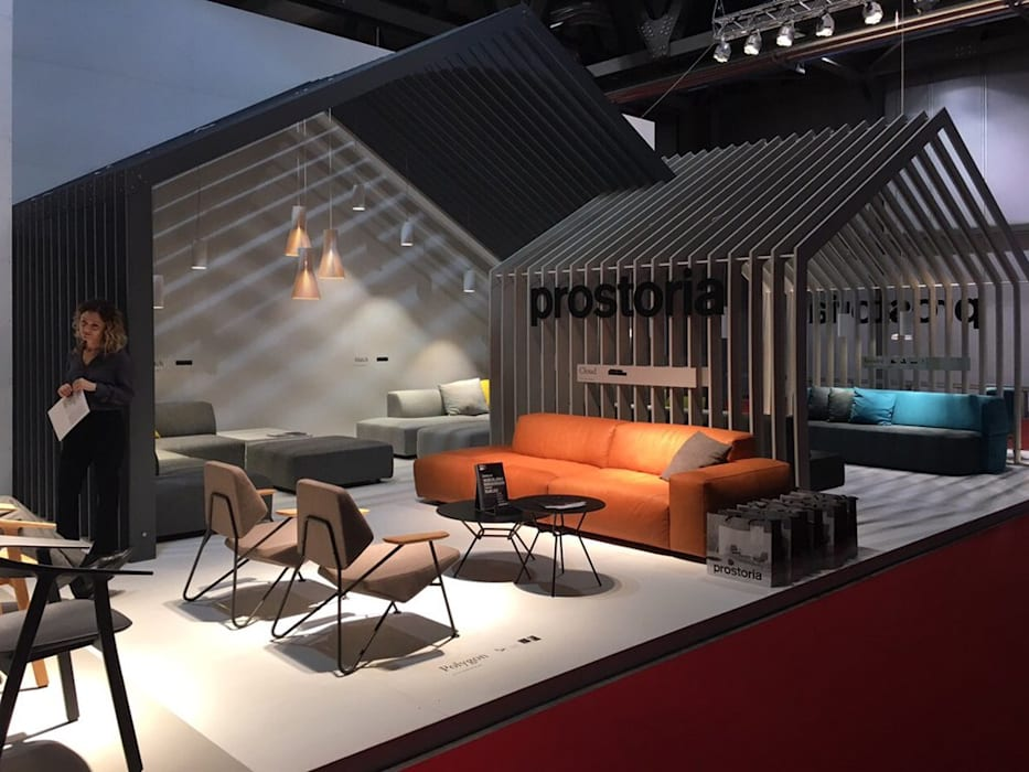 Messestand prostoria sofas und sessel in mailand 2016 ...