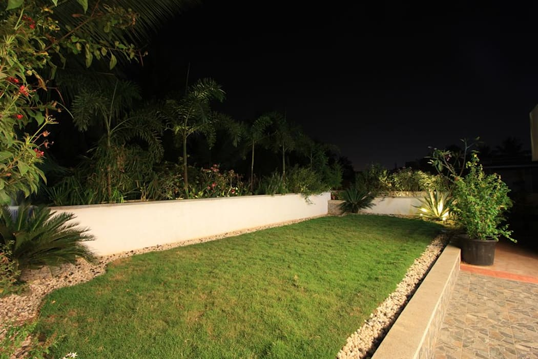 Terrace garden: modern Garden by Ansari Architects