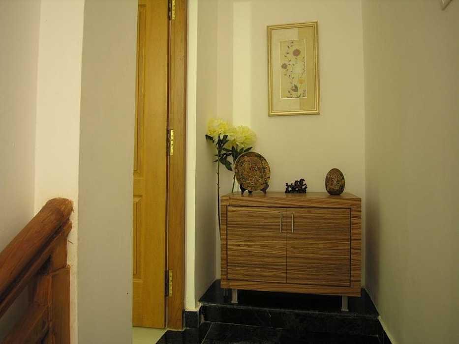 Passage Modern corridor, hallway & stairs by Ansari Architects Modern