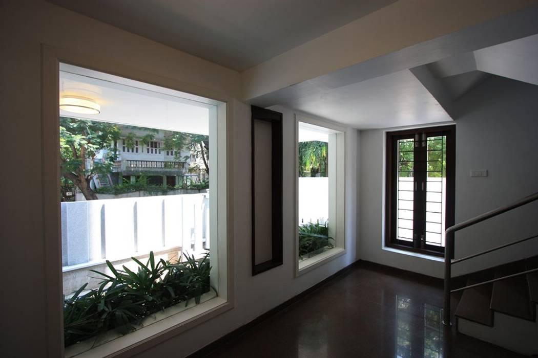 Lobby:  Terrace by Ansari Architects