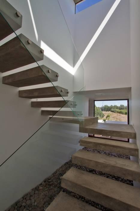 Casa Ortiz Casas estilo moderno: ideas, arquitectura e imágenes de G4 Arquitectos Asociados Moderno