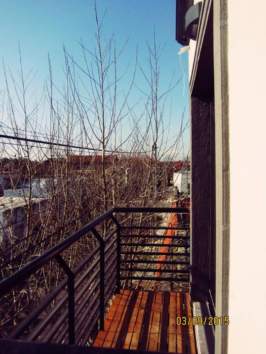 SMarq Eclectic style balcony, veranda & terrace