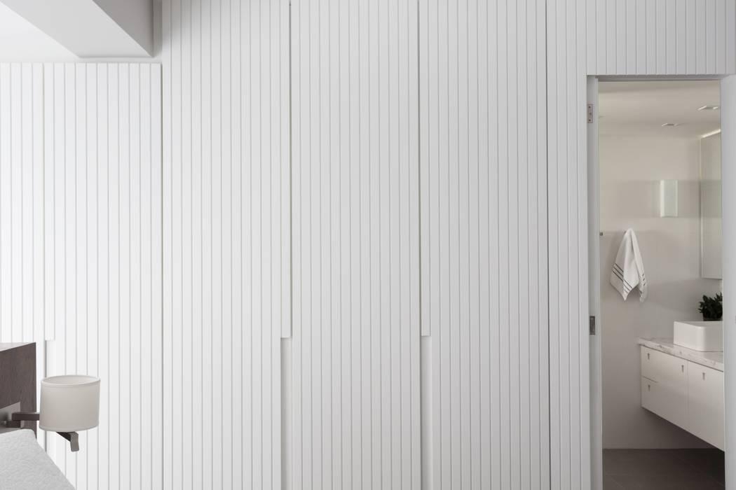 Bedroom by AMBIDESTRO, Minimalist