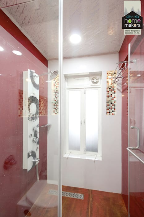 Red Washroom 2:  Bathroom by home makers interior designers & decorators pvt. ltd.