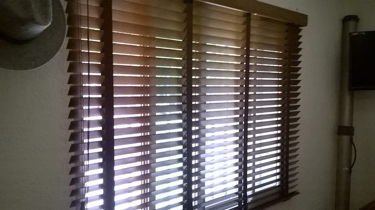 Jendela oleh Muebles Modernos para Oficina, S.A., Modern Kayu Wood effect