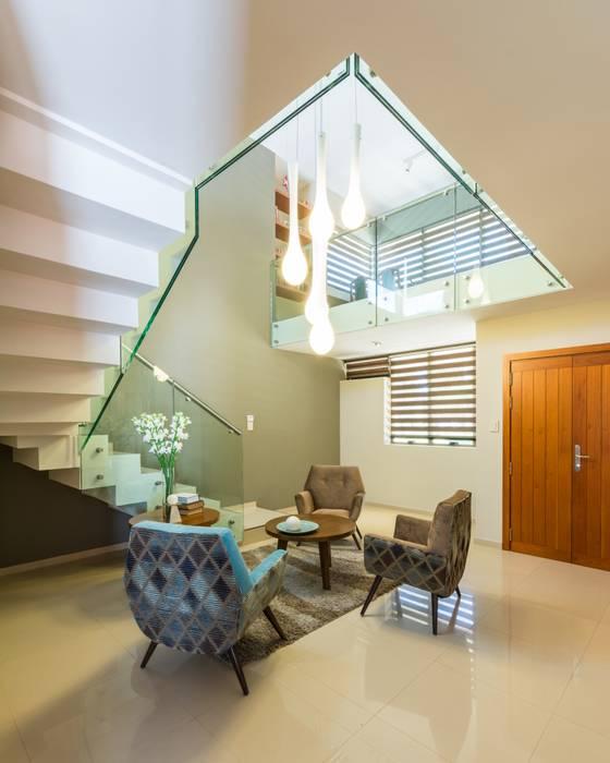 by KARLEN + CLEMENTE ARQUITECTOS Modern Glass