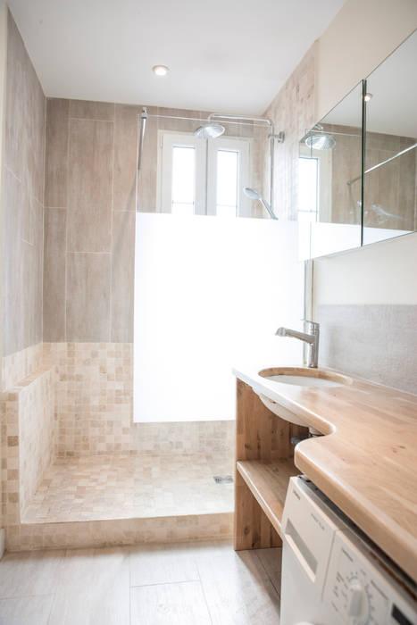 salle de bain 04: Salle de bains de style  par Olivier Olindo Architecte