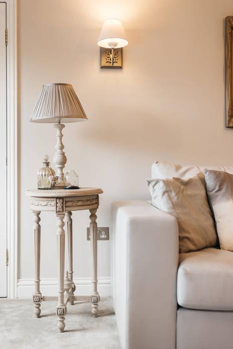 Wohnzimmer von Katie Malik Interiors, Modern