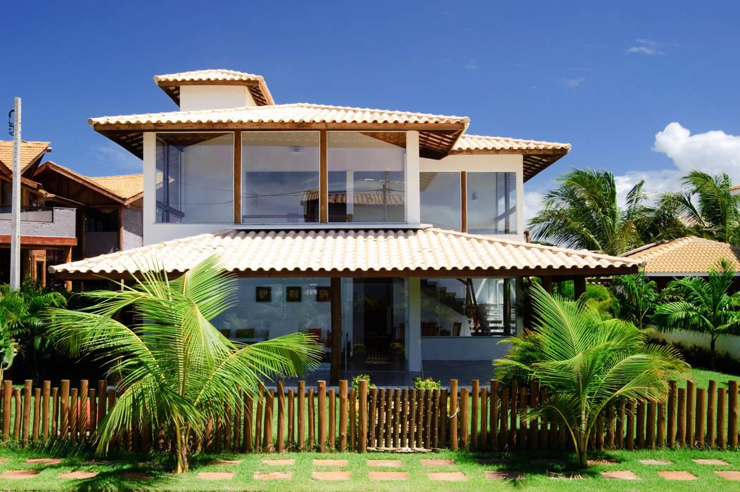 Houses by CHASTINET ARQUITETURA URBANISMO ENGENHARIA LTDA, Tropical Wood Wood effect