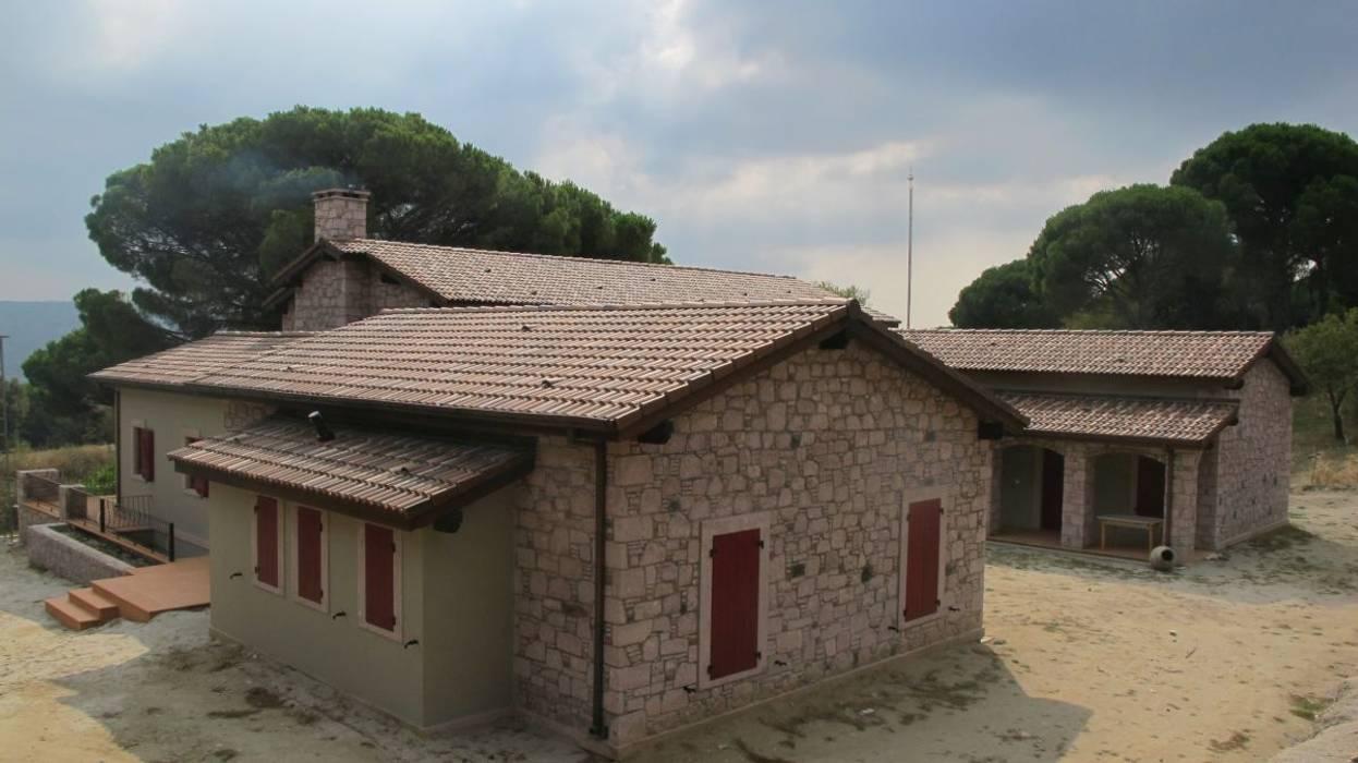 Casas de estilo  de Plano Mimarlık ve Teknoloji, Rural Piedra