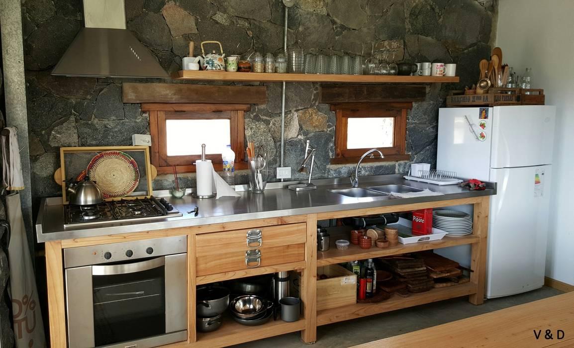 VETA & DISEÑO Scandinavian style kitchen Solid Wood Brown