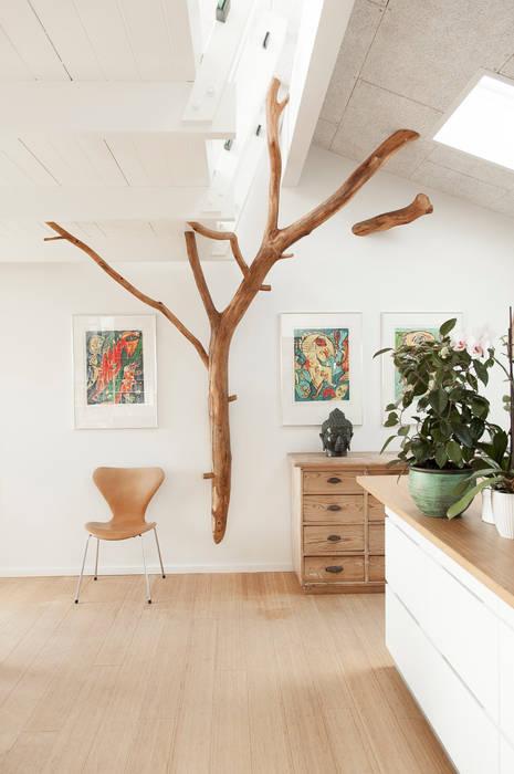 Baum im wohnraum: wohnzimmer von badabaum | homify