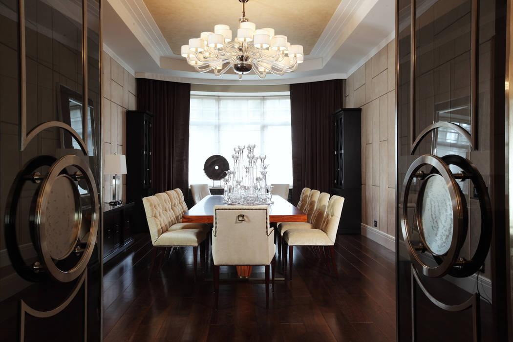 Salas de jantar  por Архитектурное бюро Бахарев и Партнеры