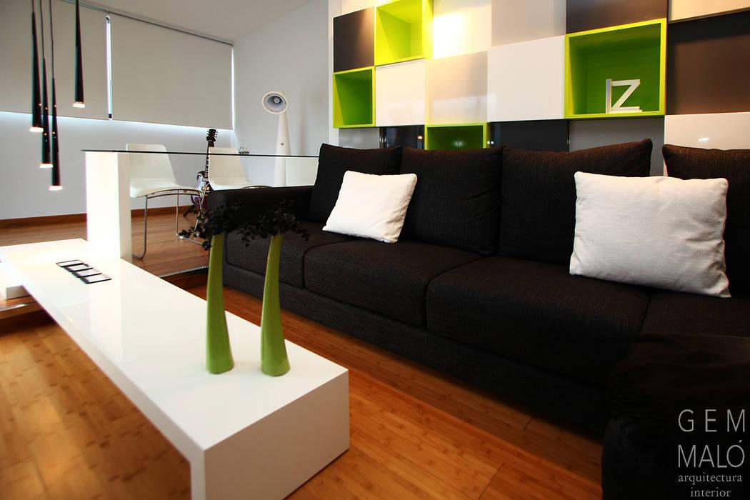 Salas / recibidores de estilo  por Gemmalo arquitectura interior