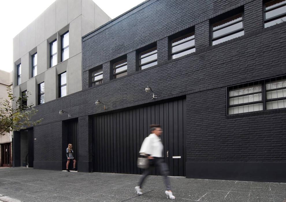 Studio moderno di Ramiro Zubeldia Arquitecto Moderno Laterizio