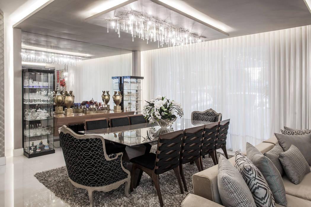 Heloisa Titan Arquitetura Comedores de estilo clásico Ámbar/Dorado