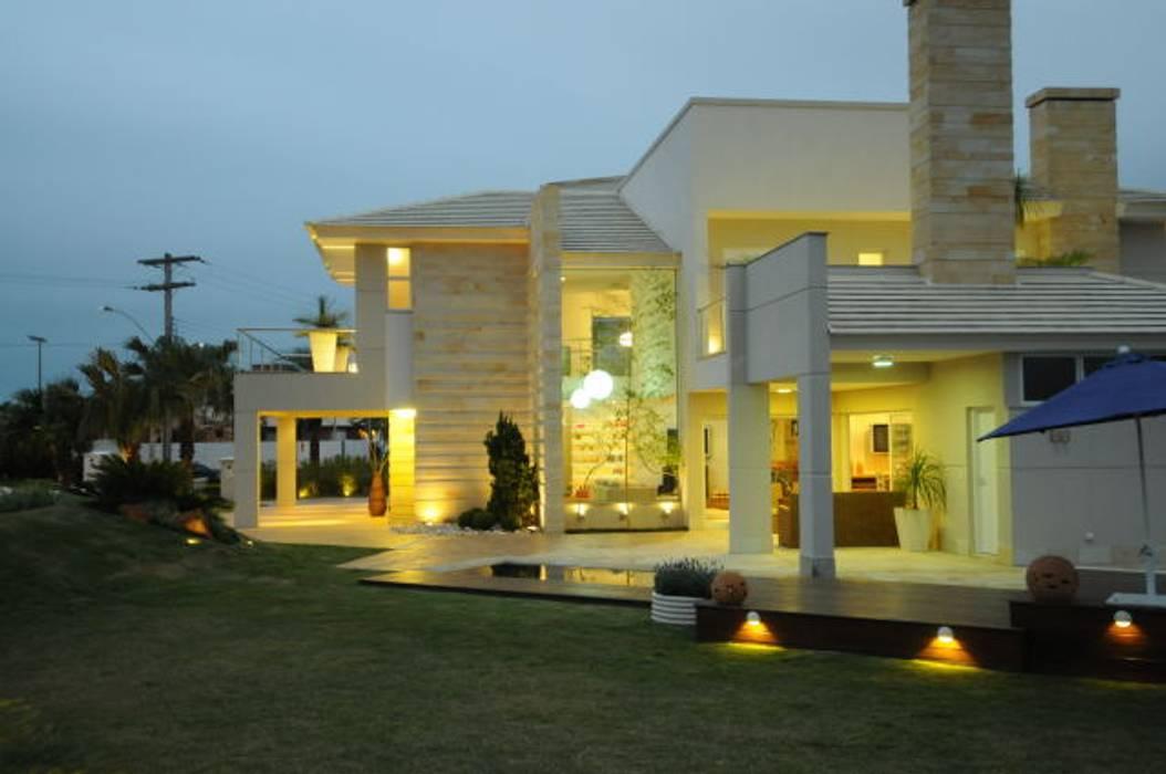 Casas de estilo  por João Linck   Arquitetura,