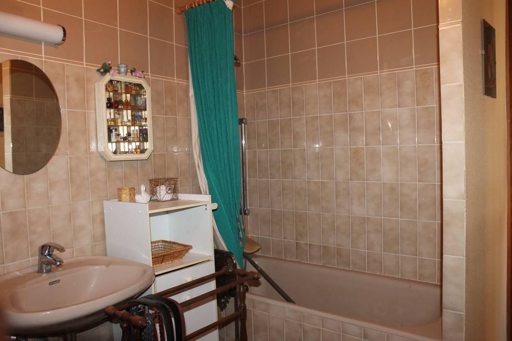 salle de bain avant travaux:  de style  par Agence ADI-HOME