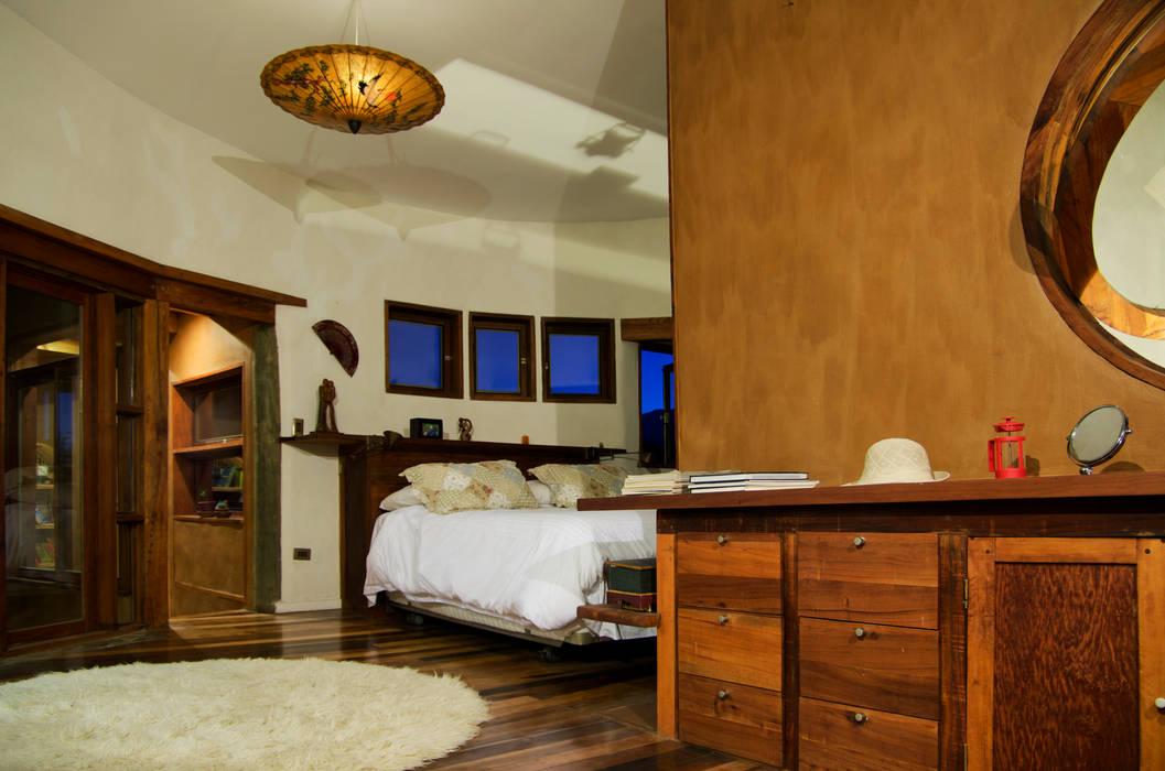Dormitorio Dormitorios de estilo rústico de ALIWEN arquitectura & construcción sustentable - Santiago Rústico