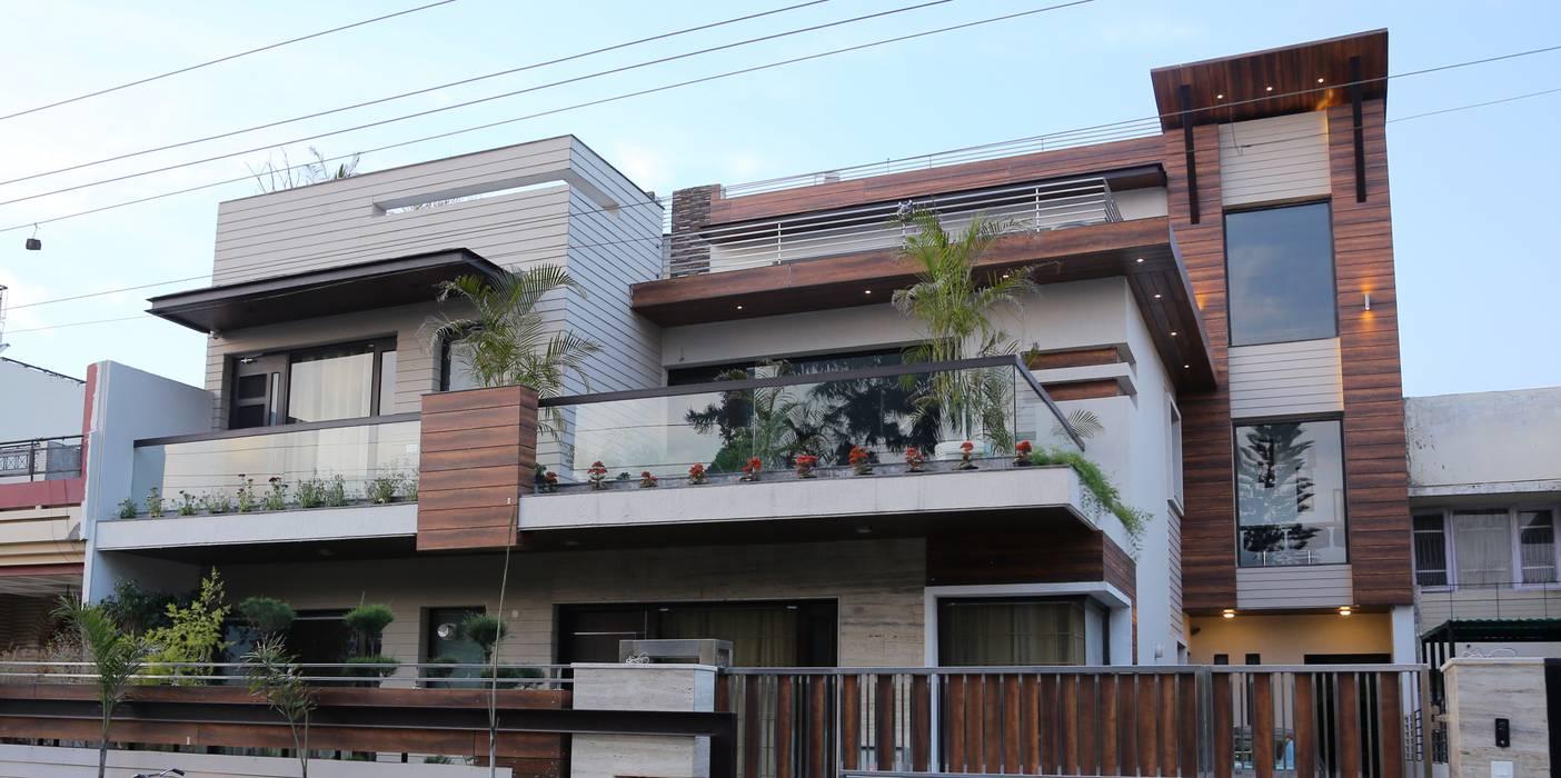 Casas modernas: Ideas, imágenes y decoración de Aayam Consultants Moderno