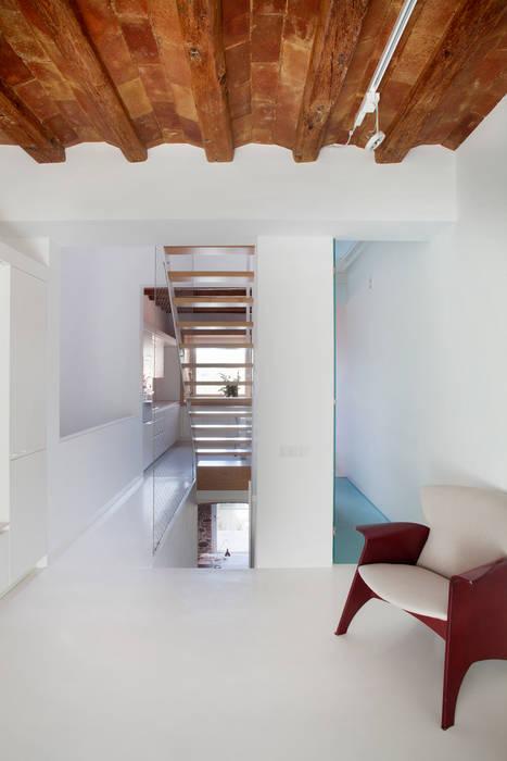 Planta baja Salones de estilo minimalista de CABRÉ I DÍAZ ARQUITECTES Minimalista