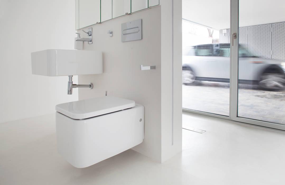Baño 2 Baños de estilo minimalista de CABRÉ I DÍAZ ARQUITECTES Minimalista