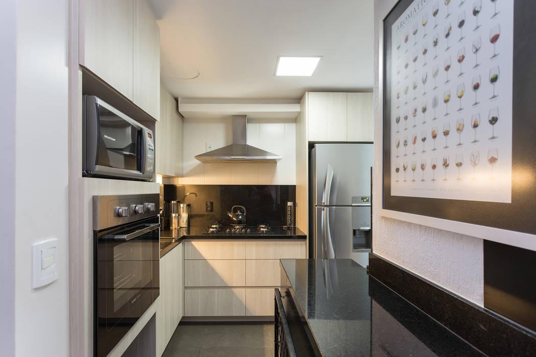 Кухни в . Автор – Kali Arquitetura, Модерн