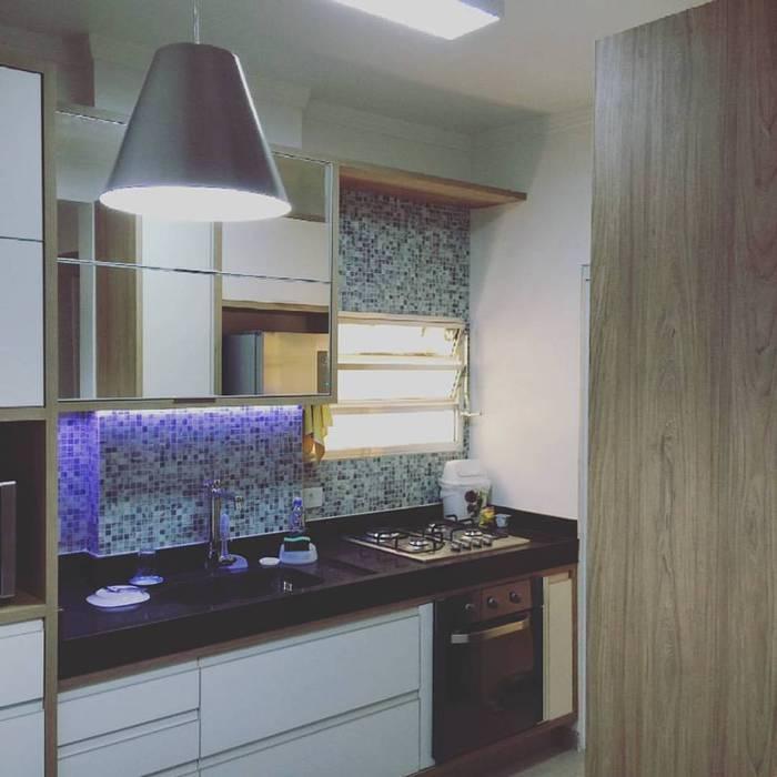 Rachel Avellar Interiores Moderne Küchen Blau