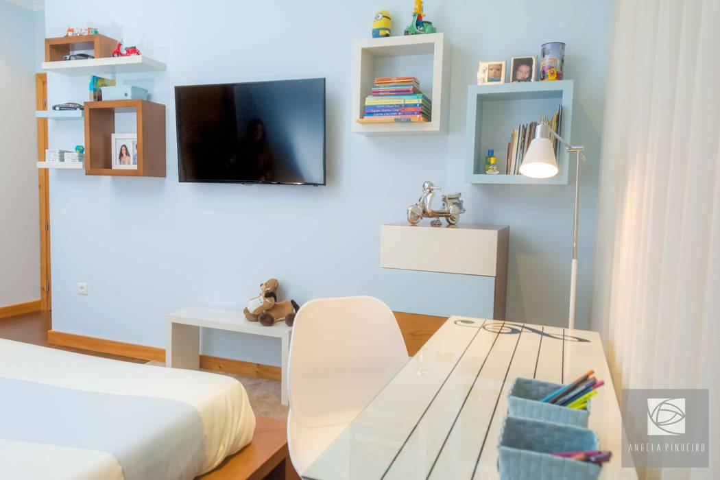 Secretária: Quartos  por Ângela Pinheiro Home Design