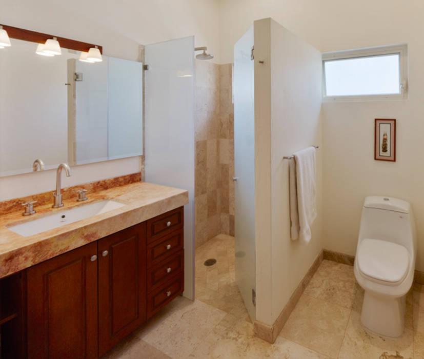baños: Baños de estilo  por Excelencia en Diseño