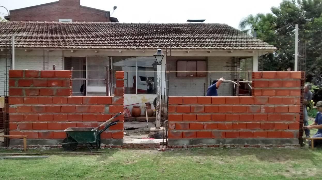 Estudio ZP Classic style walls & floors Bricks Beige