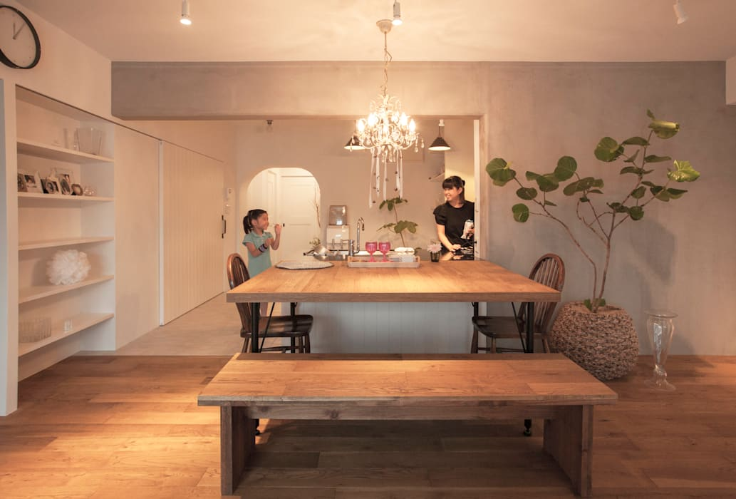 Classic style dining room by 株式会社ブルースタジオ Classic