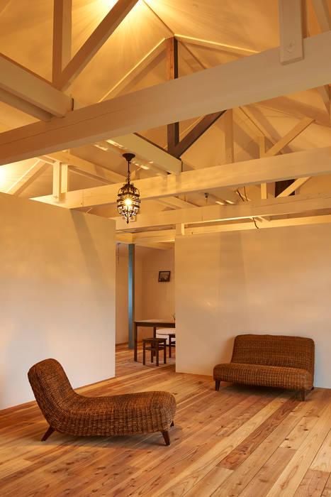 ik-house 和風デザインの リビング の tai_tai STUDIO 和風