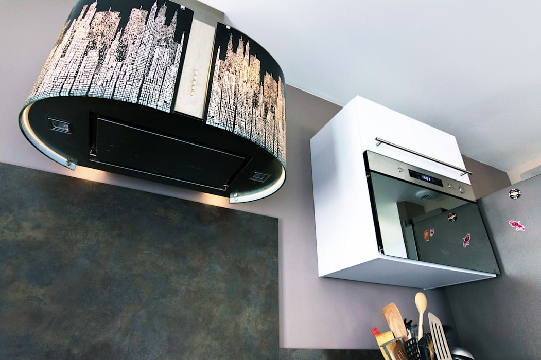 Une décoration sobre et design: Cuisine de style de style Moderne par E/P DESIGN - Emilie Peyrille