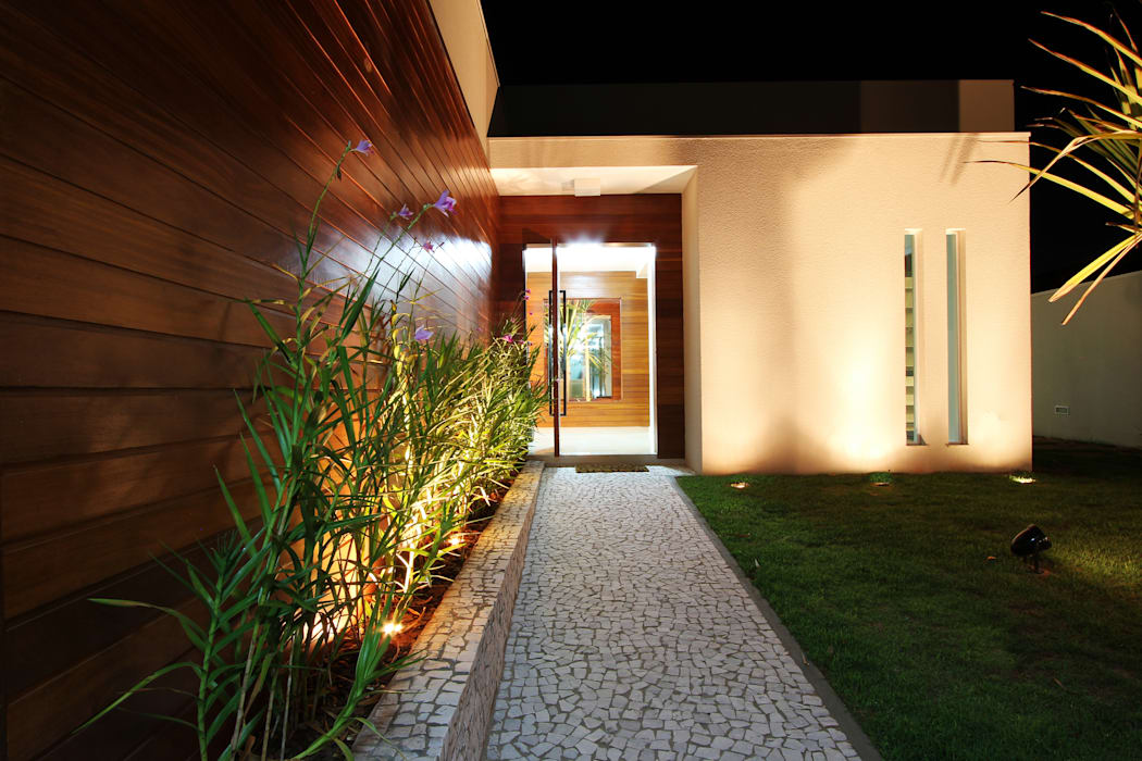 Casas  por BRAVIM ◘ RICCI ARQUITETURA, Moderno