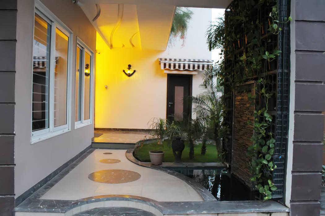 Shadab Anwari & Associates. Asian style gardens