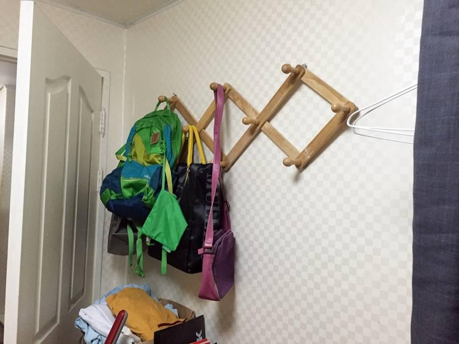 역삼동 투룸 싱글녀 홈스타일링 (Yeoksam homestyling) 모던스타일 복도, 현관 & 계단 by homelatte 모던