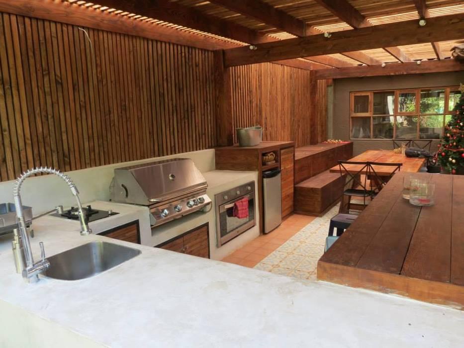 Quichos Cocinas de estilo moderno de OBRAA QUINCHOS Y TERRAZAS Moderno