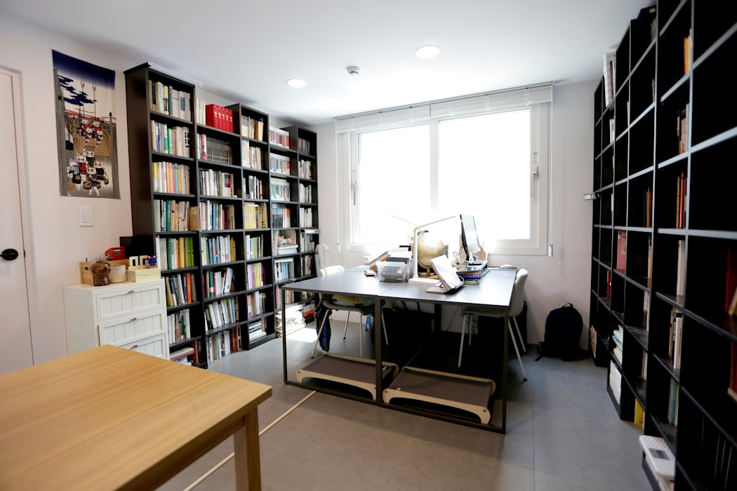 한글주택(주) Modern style study/office