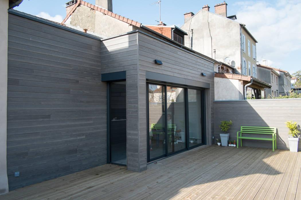 Maison à Limoges 2016 Balcon, Veranda & Terrasse modernes par Jean-Paul Magy architecte d'intérieur Moderne Bois Effet bois