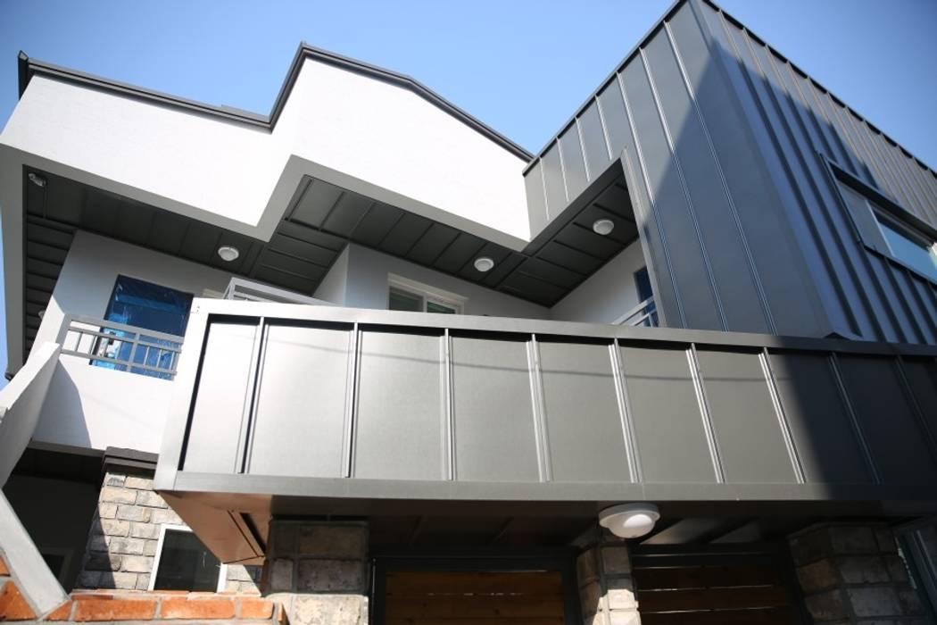 대구 죽전동 주택 인테리어 리모델링 (전원주택 ): inark [인아크 건축 설계 디자인]의  주택,