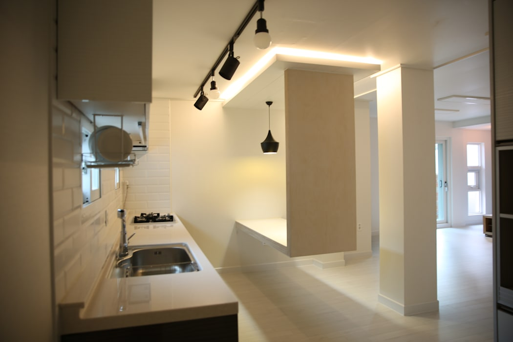 대구 죽전동 주택 인테리어 리모델링 (전원주택 ): inark [인아크 건축 설계 디자인]의  주방,