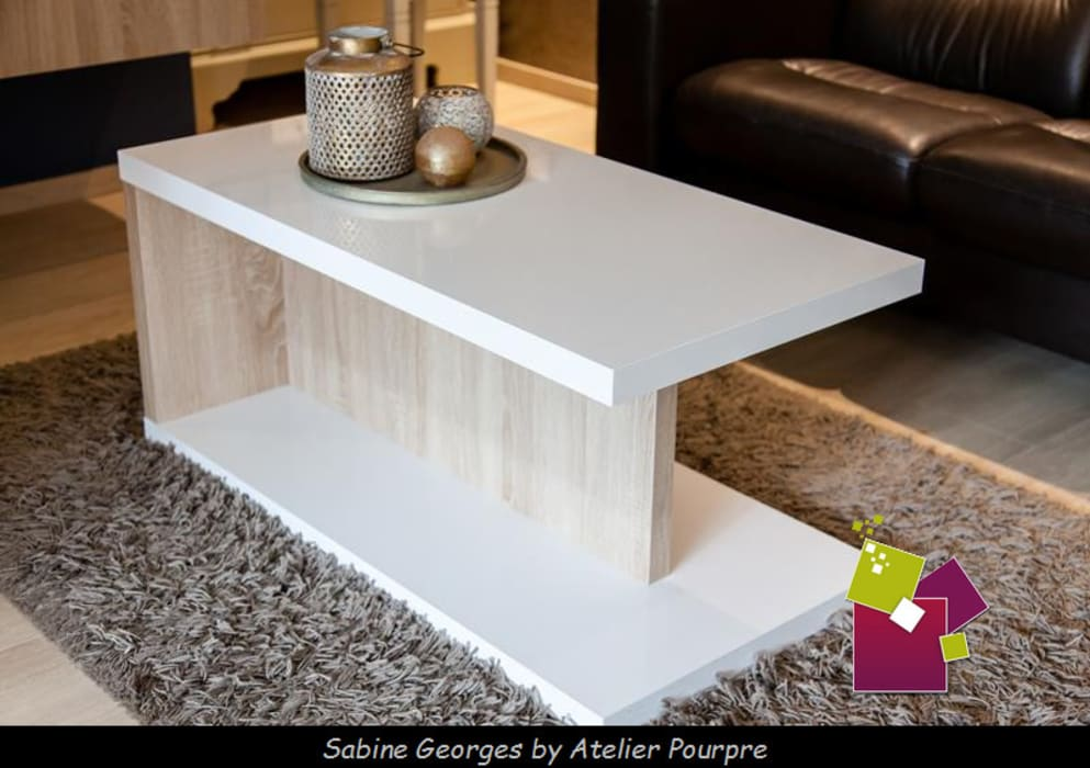 Conception table basse et meuble TV: Salon de style de style Moderne par Atelier Pourpre Design & Décoration SPRL
