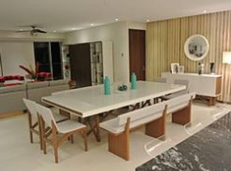 ArtiA desarrollo, arquitectura y mobiliario. Minimalist dining room Wood White