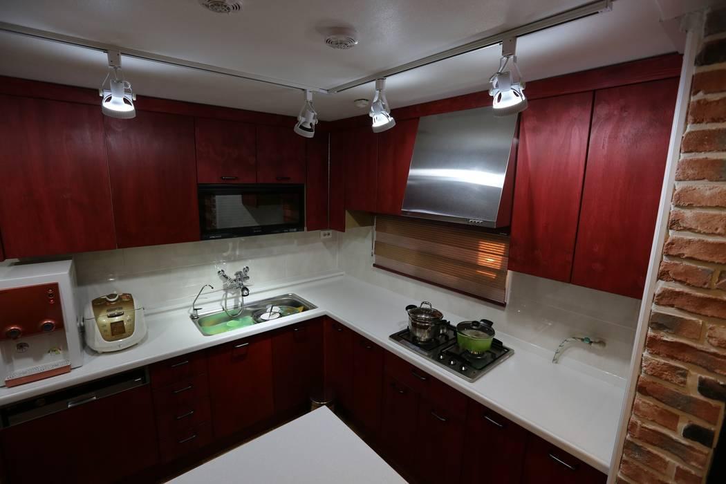 대구 수성구 범어동 푸른마을 아파트 인테리어 리모델링 : inark [인아크 건축 설계 디자인]의  주방,