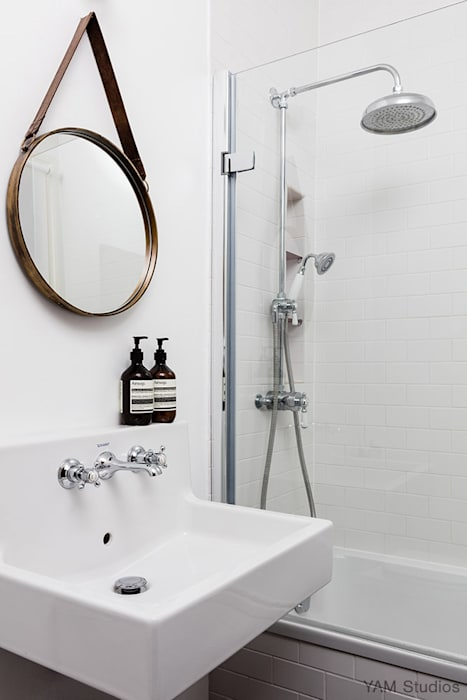 Brixton Pad 05 Scandinavian style bathrooms by YAM Studios Scandinavian