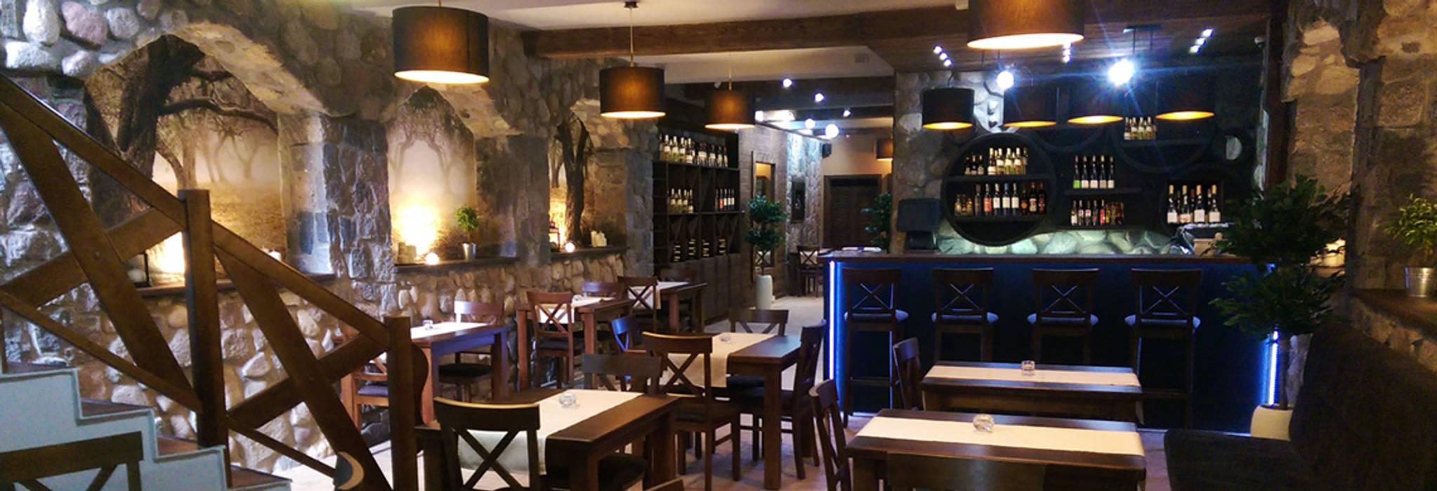 Ruang Penyimpanan Wine/Anggur Gaya Rustic Oleh Pracownia Wnętrz Rustic